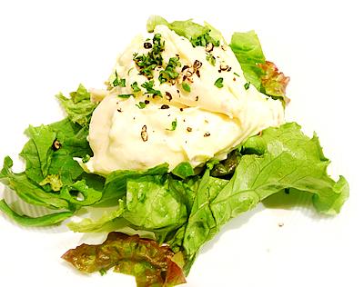 生ハムとアンチョビのクリーミーポテトサラダ